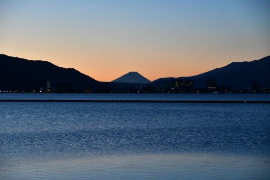 21諏訪湖飯島01