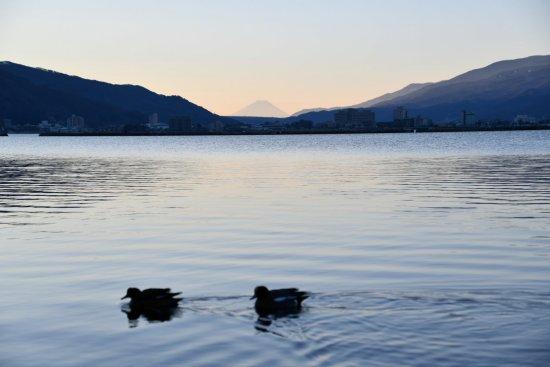 21諏訪湖飯島04