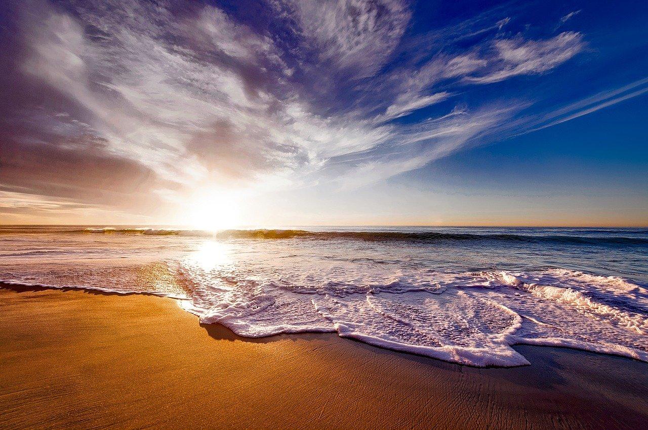 beach-1751455_1280.jpg