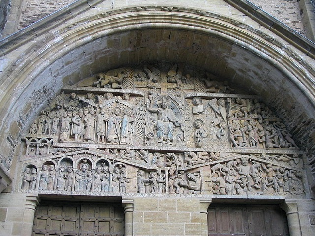 800px-Conques_doorway_carving_2003_IMG_6330コンクのサント・フォア聖堂のティンパヌム(タンパン)