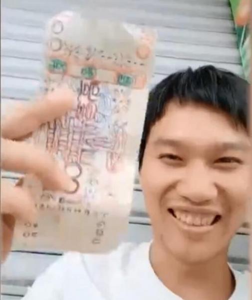 【中国】7年間、手描きのお札で買いに来るホームレスに笑顔で麺を売り続ける店主