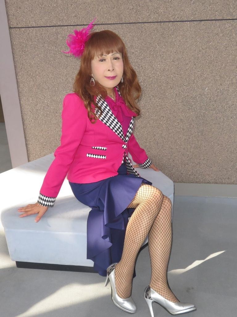 ピンクジャケット紺前開きススカートB(4)
