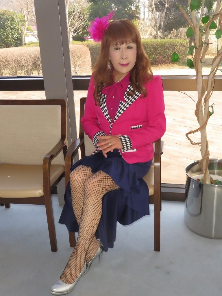 ピンクジャケット紺前開きススカートB(6)