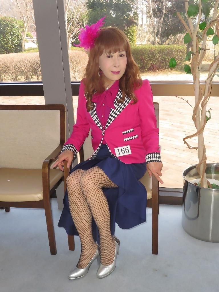 ピンクジャケット紺前開きススカートB(7)