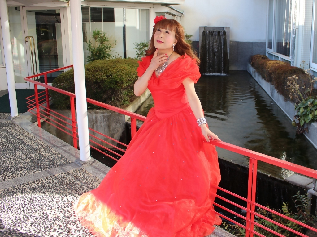 赤ドレスガーデンパレスB(4)