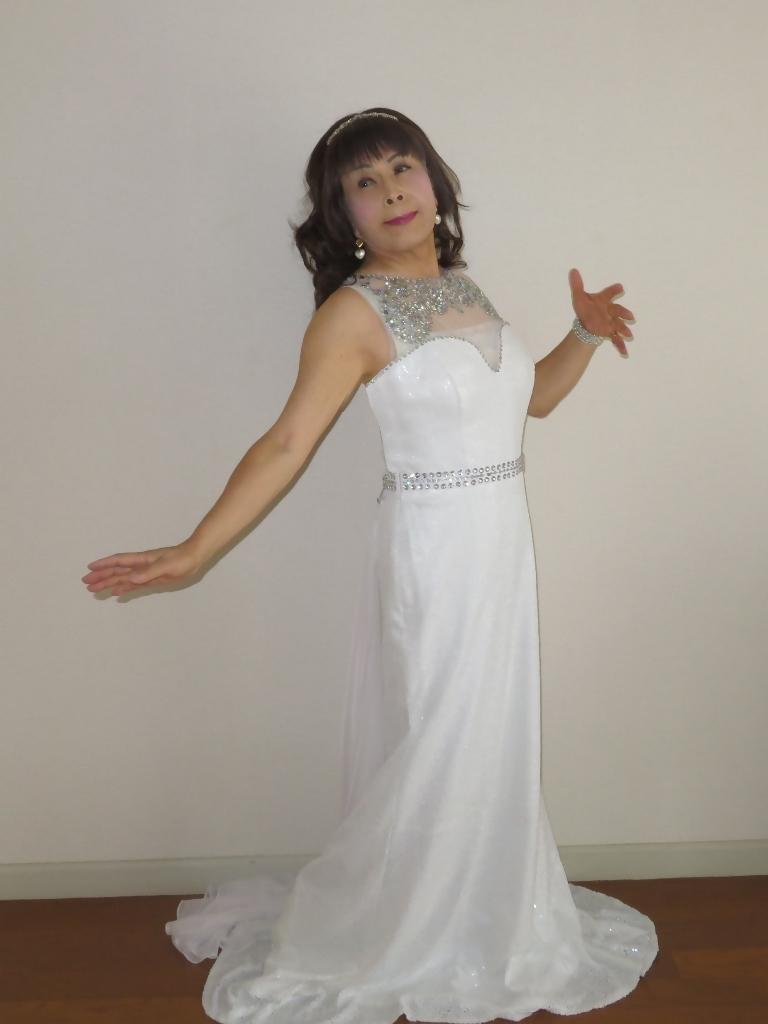 白スパンコールロングドレス部屋A(3)