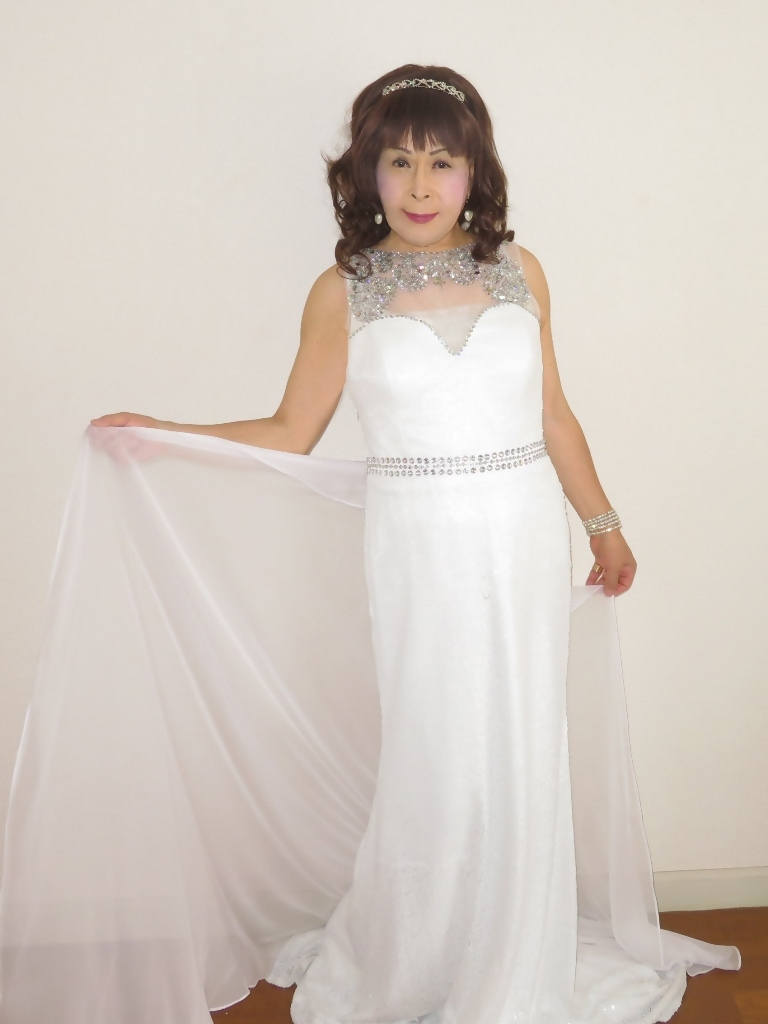 白スパンコールロングドレス部屋B(1)