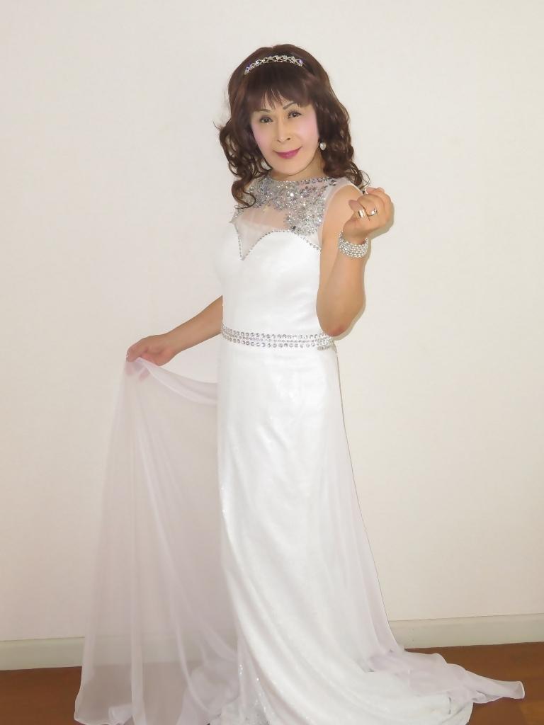 白スパンコールロングドレス部屋B(3)