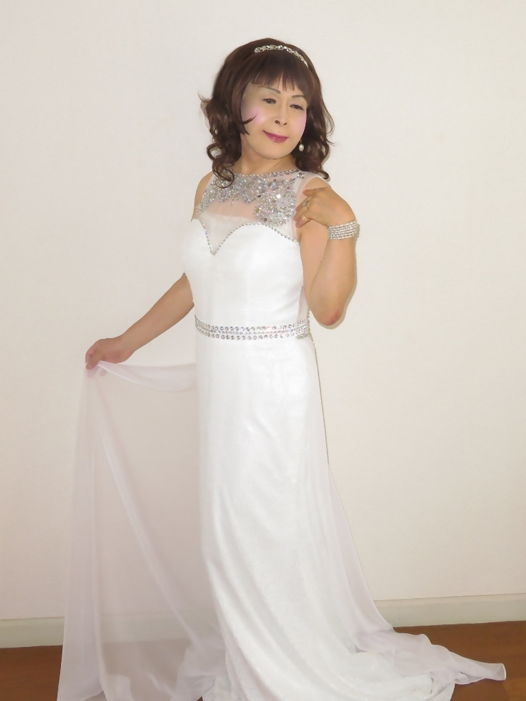 白スパンコールロングドレス部屋B(4)