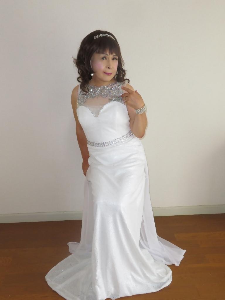 白スパンコールロングドレス部屋B(5)
