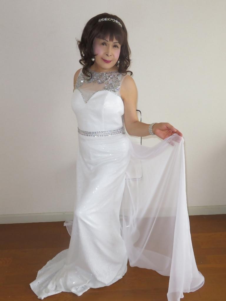 白スパンコールロングドレス部屋B(7)