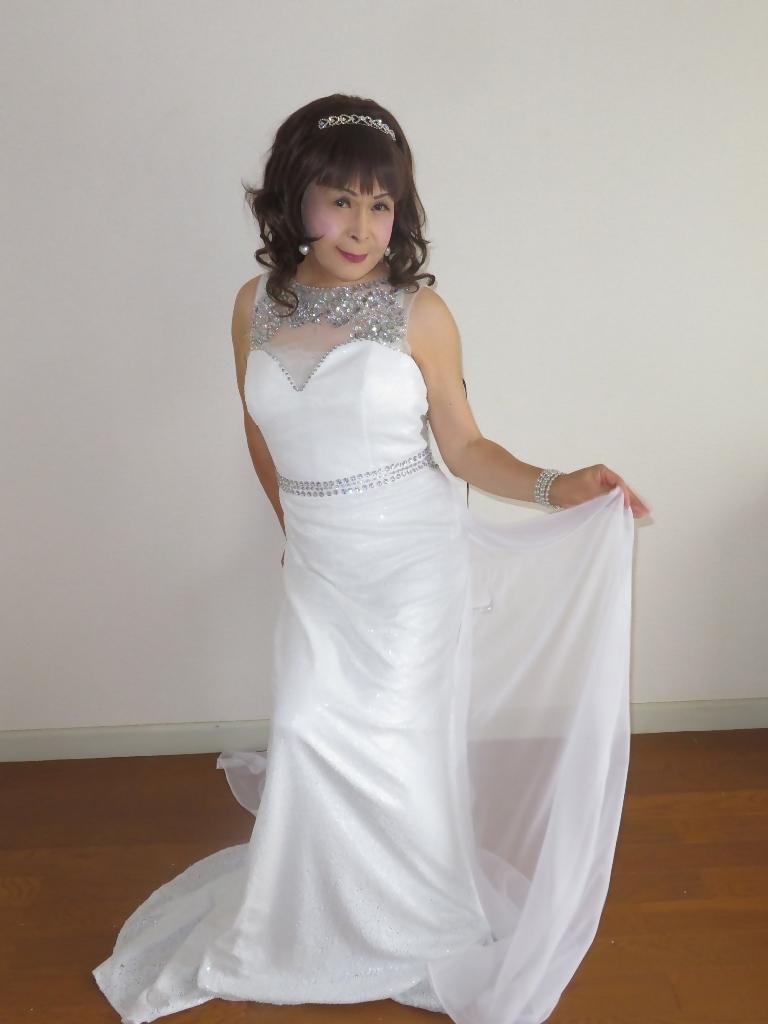 白スパンコールロングドレス部屋B(8)