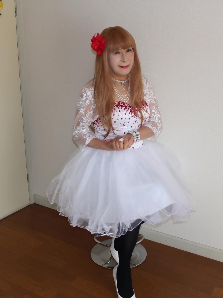 赤ビジュ飾り白ショートドレスB(1)
