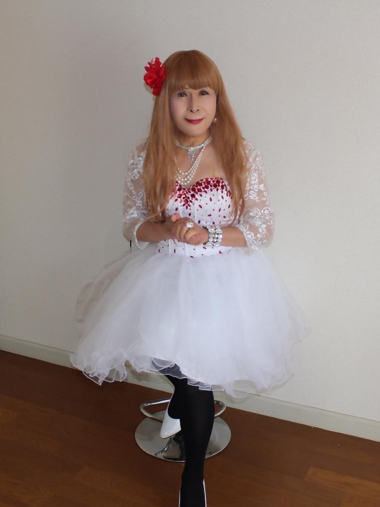赤ビジュ飾り白ショートドレスB(4)