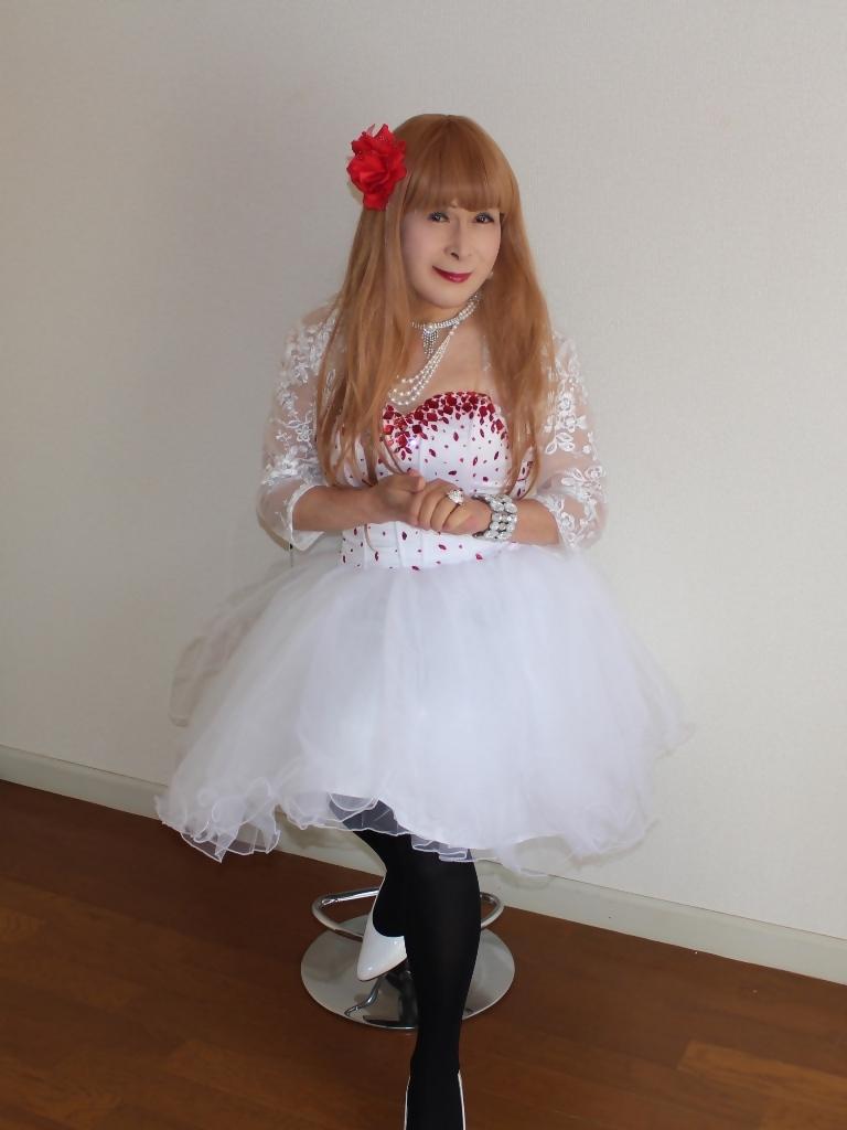 赤ビジュ飾り白ショートドレスB(5)