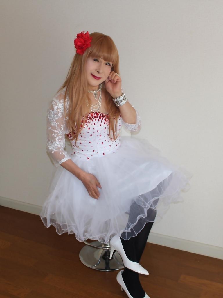 赤ビジュ飾り白ショートドレスB(8)