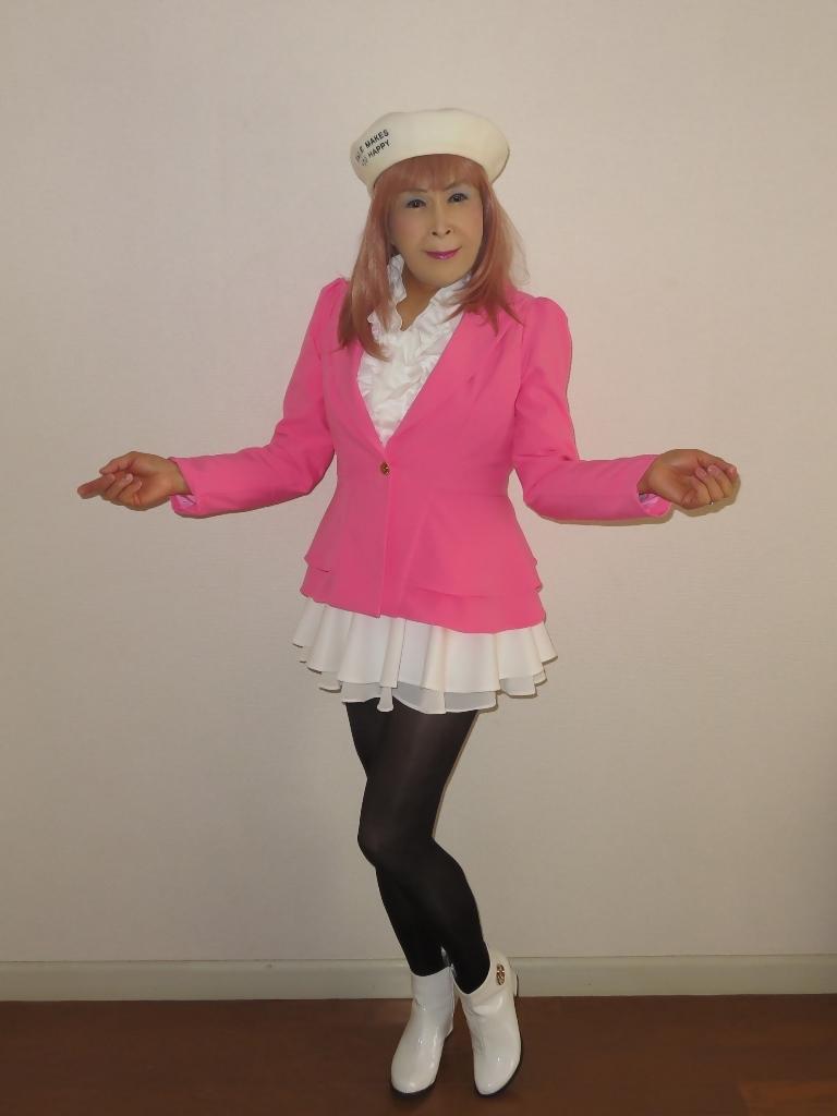 ピンクジャケット白ミニフレア室内A(1)