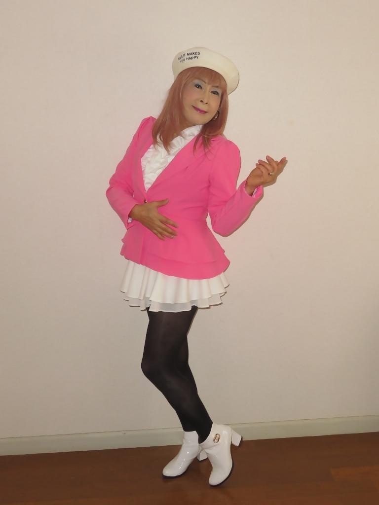 ピンクジャケット白ミニフレア室内A(5)