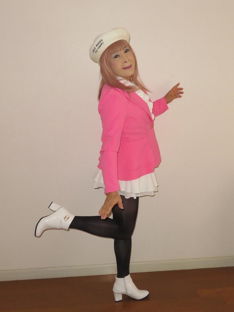 ピンクジャケット白ミニフレア室内A(6)