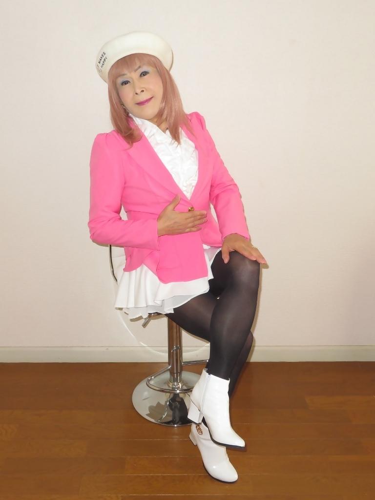 ピンクジャケット白ミニフレア室内B(2)