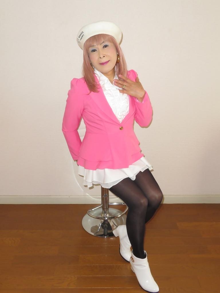 ピンクジャケット白ミニフレア室内B(3)