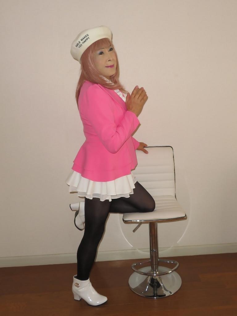ピンクジャケット白ミニフレア室内B(7)
