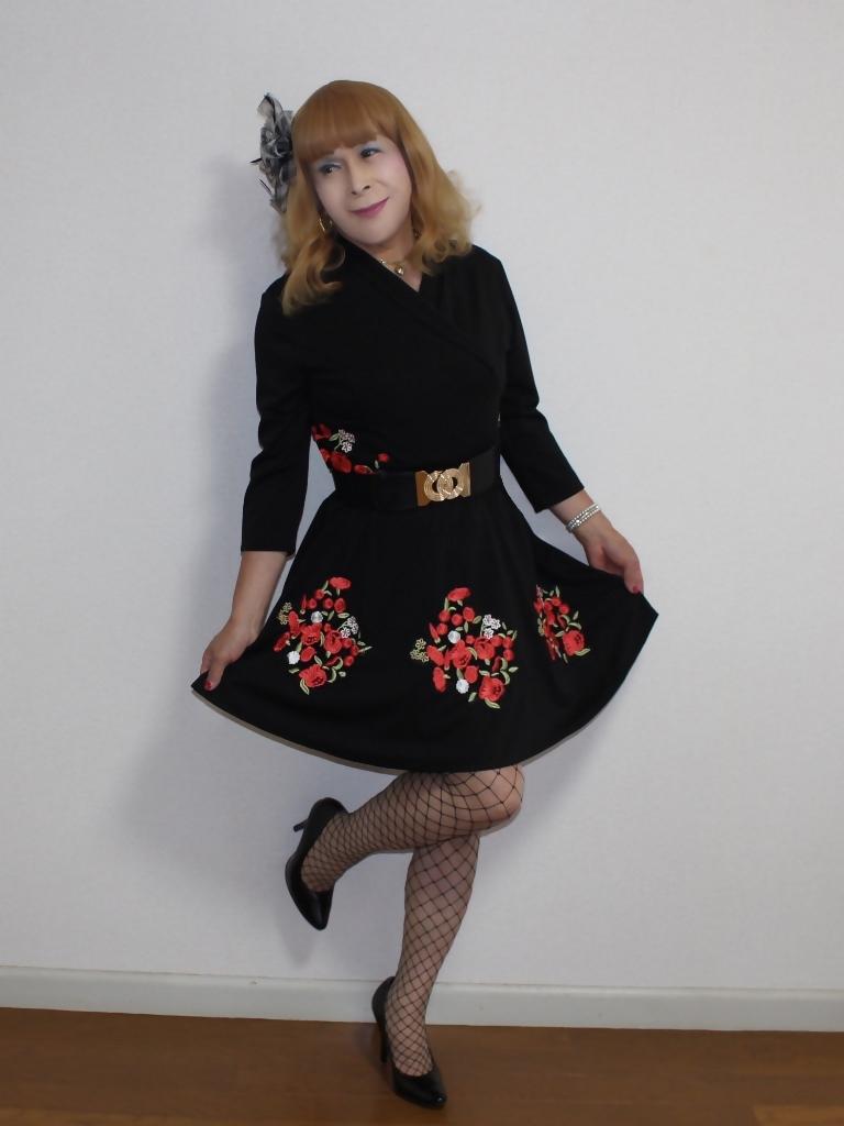 黒花柄刺繍ショートワンピA(2)