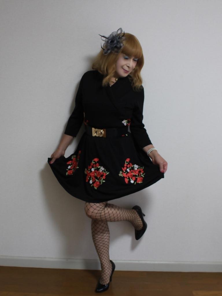 黒花柄刺繍ショートワンピA(3)