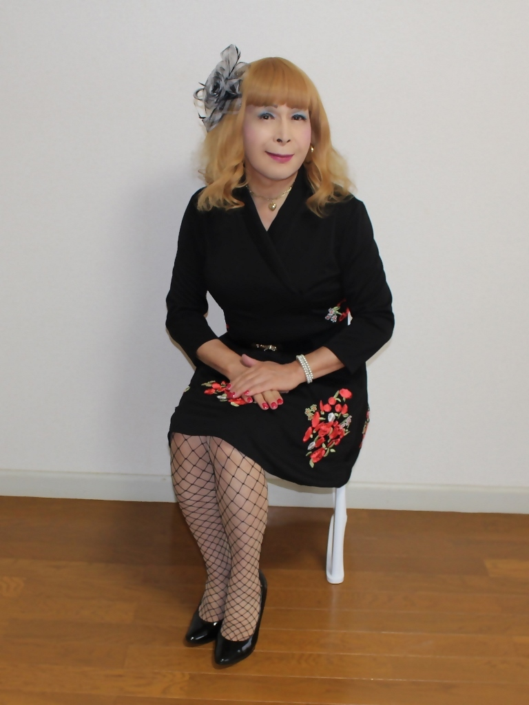 黒花柄刺繍ショートワンピB(2)