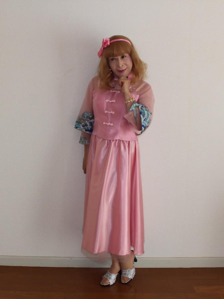 ピンクのチャイナ風ドレスA(2)