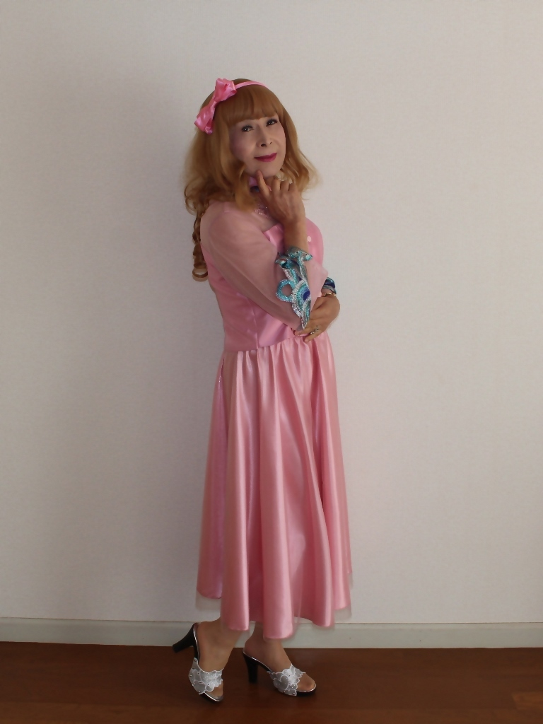 ピンクのチャイナ風ドレスA(3)