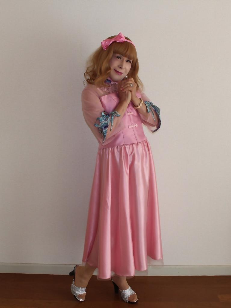 ピンクのチャイナ風ドレスA(4)