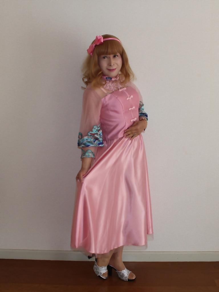 ピンクのチャイナ風ドレスA(6)