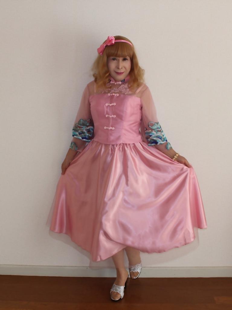 ピンクのチャイナ風ドレスA(7)