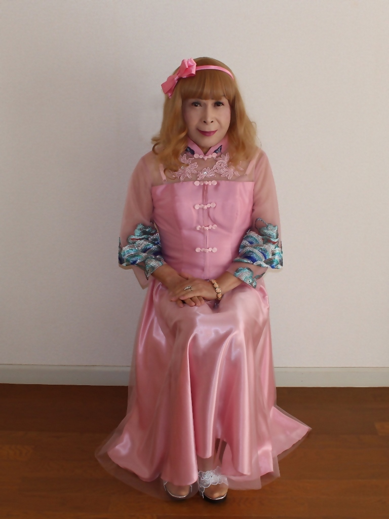 ピンクのチャイナ風ドレスB(1)
