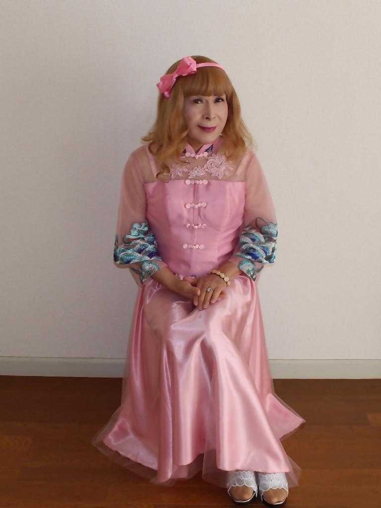 ピンクのチャイナ風ドレスB(2)
