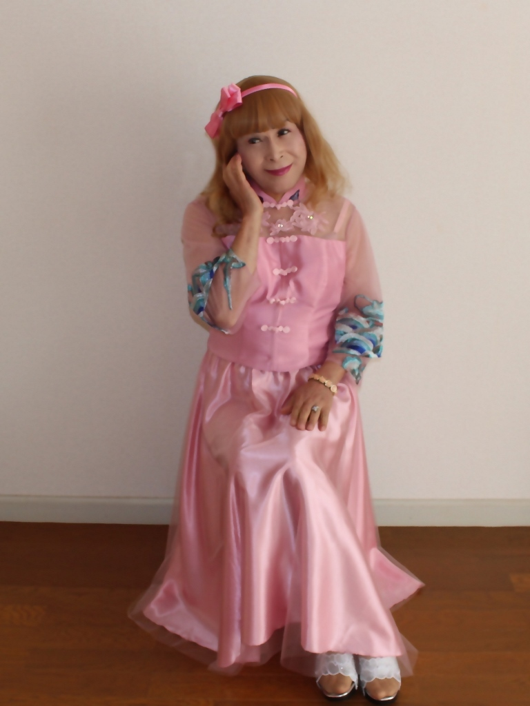 ピンクのチャイナ風ドレスB(3)
