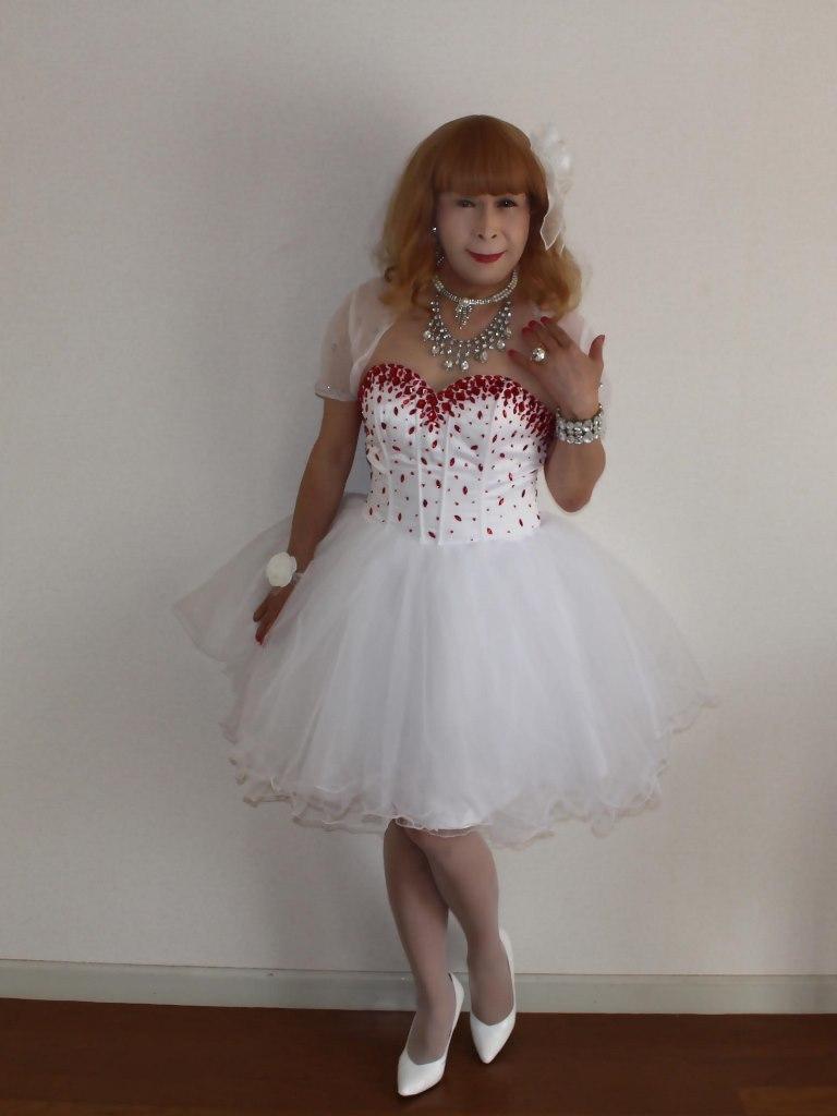 赤ビジュ飾りホワイトドレスA(1)