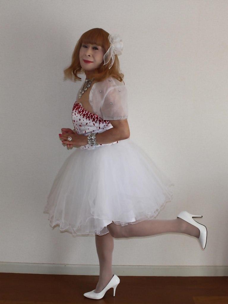 赤ビジュ飾りホワイトドレスA(5)