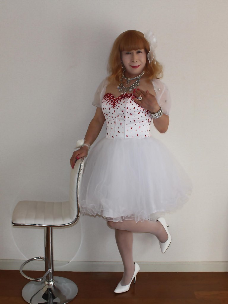赤ビジュ飾りホワイトドレスA(6)