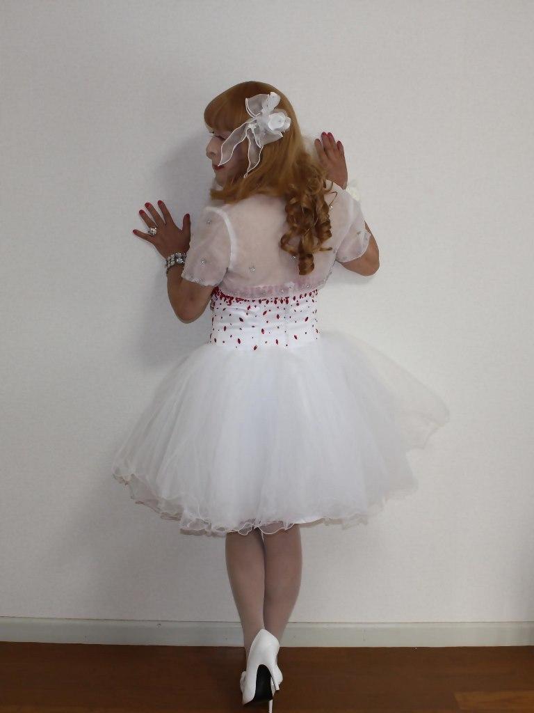 赤ビジュ飾りホワイトドレスA(8)
