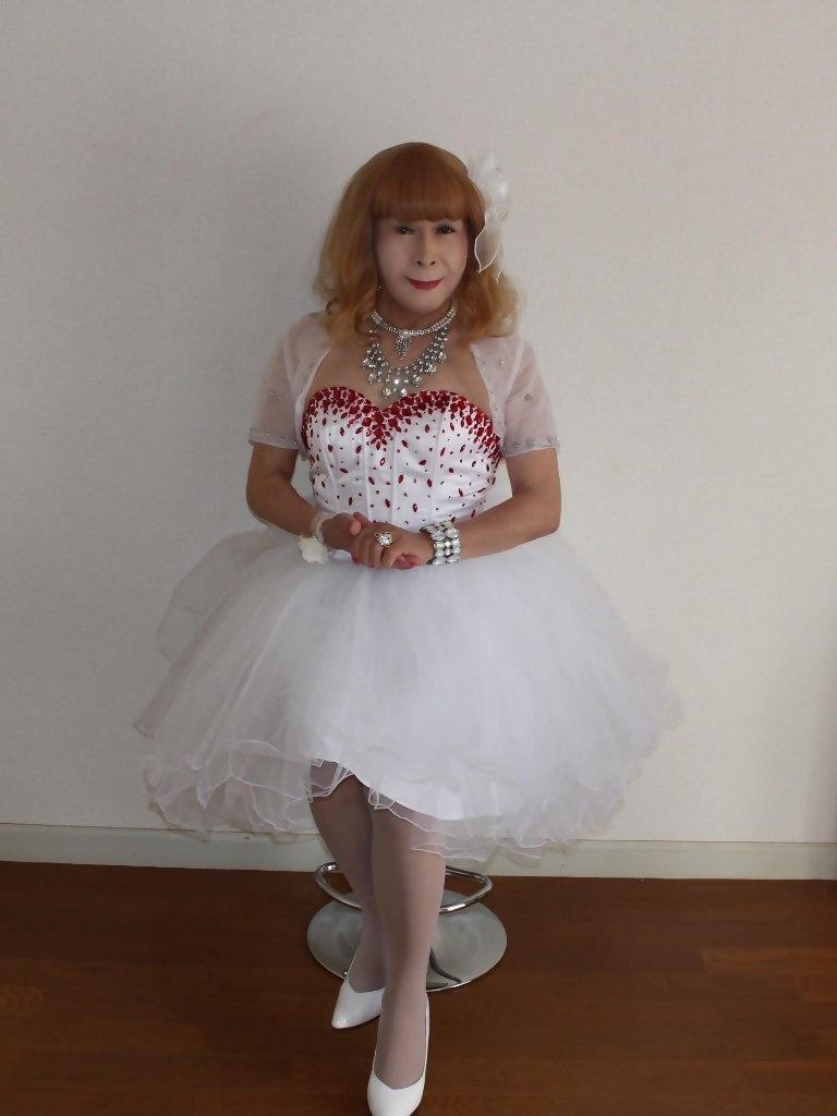 赤ビジュ飾りホワイトドレスB(1)
