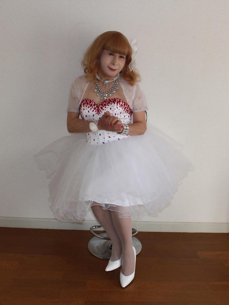 赤ビジュ飾りホワイトドレスB(2)