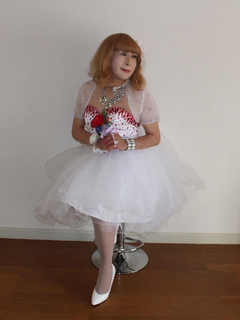 赤ビジュ飾りホワイトドレスB(4)