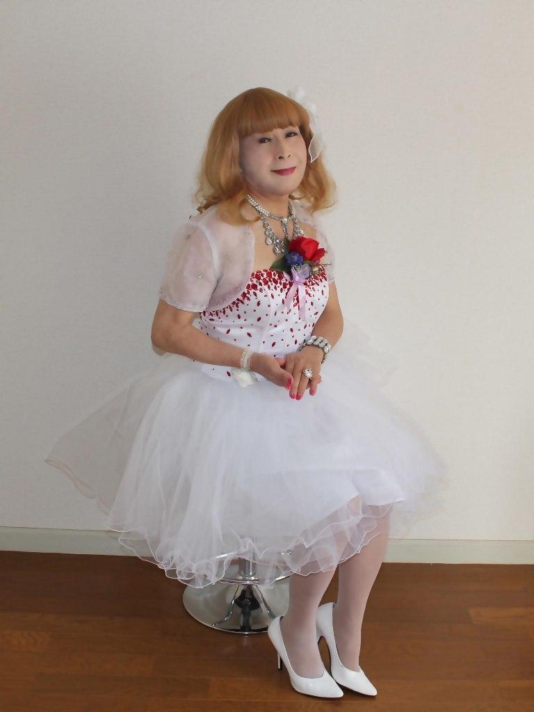 赤ビジュ飾りホワイトドレスB(7)