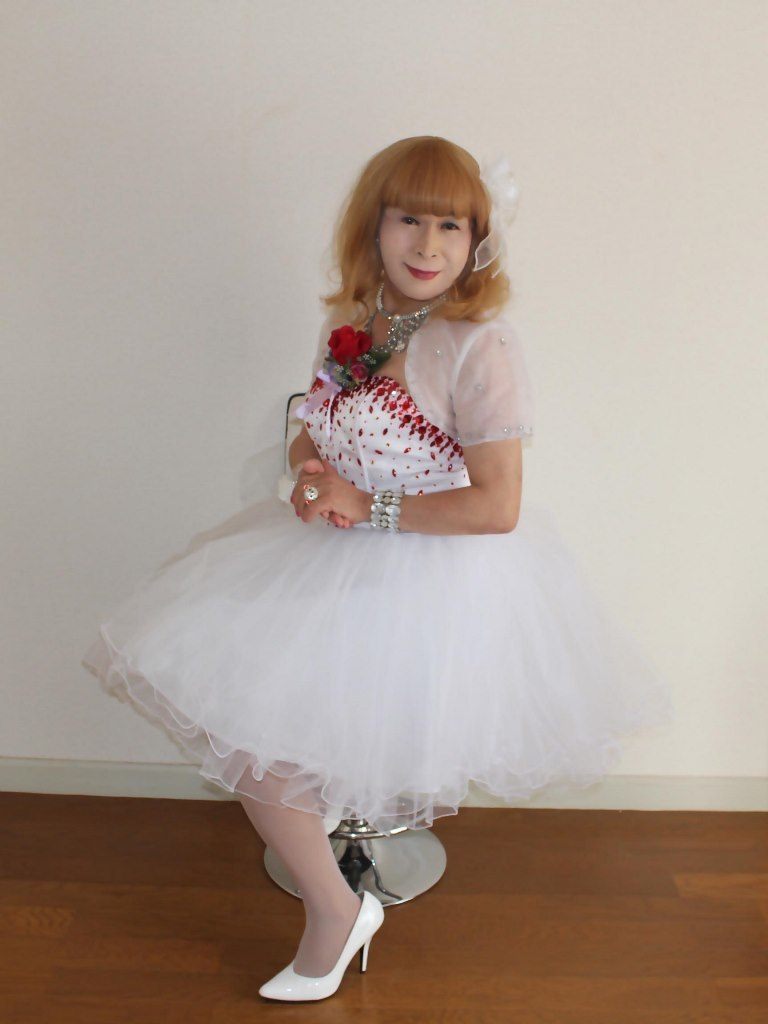 赤ビジュ飾りホワイトドレスB(8)