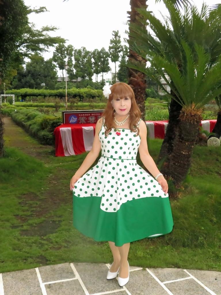 緑ドット柄ワンピドレス紫雲閣E(1)