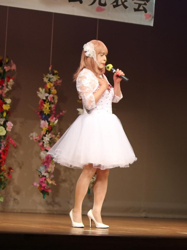 赤ビジュ飾りショートドレス舞台(1)