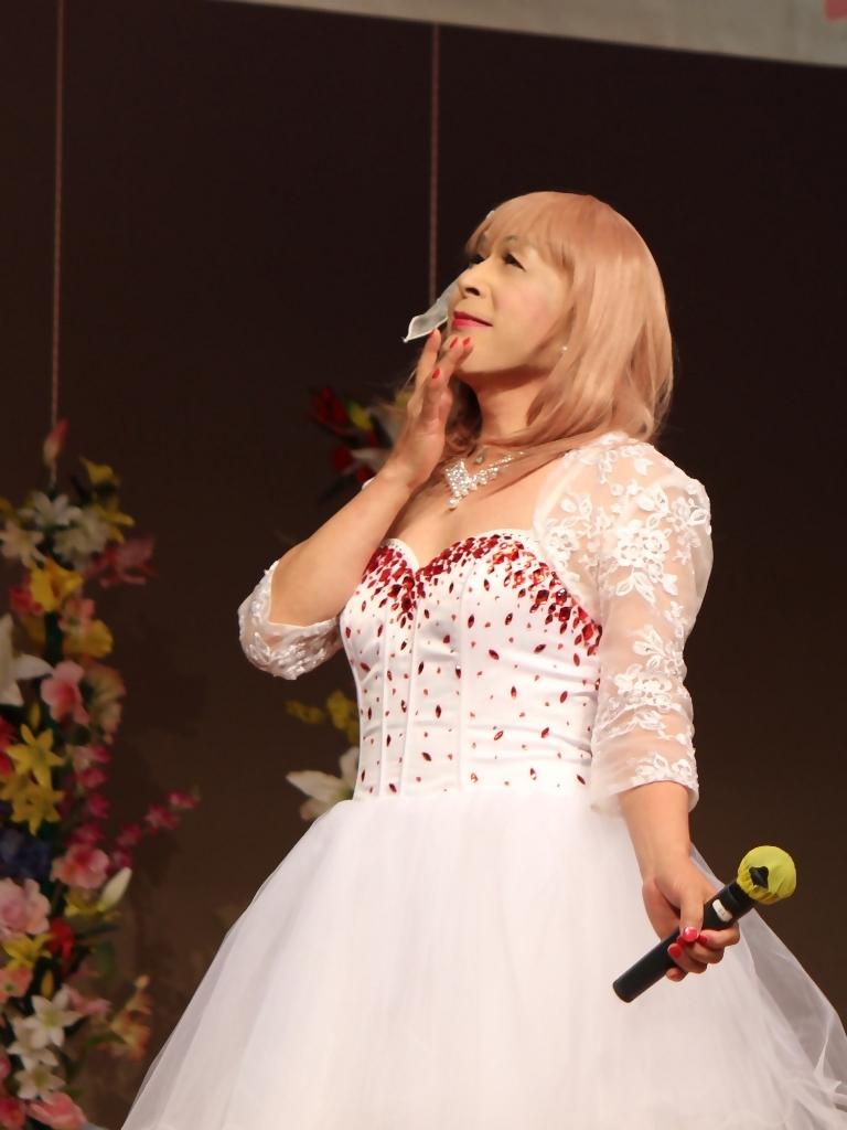 赤ビジュ飾りショートドレス舞台(3)