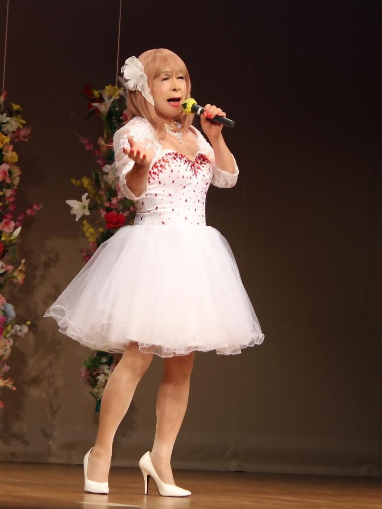 赤ビジュ飾りショートドレス舞台(5)